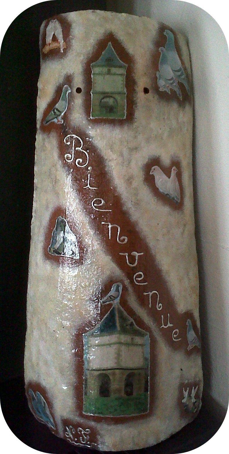 Tuile décorée thème pigeonnier