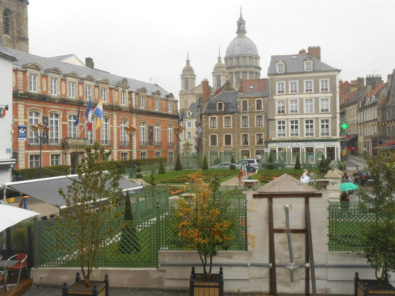 les jardins le notre mairie de boulogne sur mer promenboulonnais. Black Bedroom Furniture Sets. Home Design Ideas