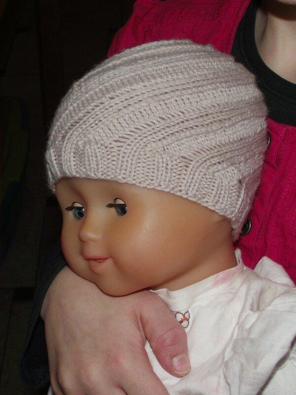 swirl hat 100% Baby DMC 003