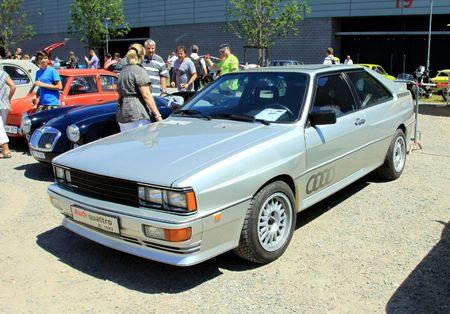 Audi quattro coupé de 1982 (RegiomotoClassica 2011) 01