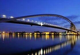 280px-Weil_am_Rhein_-_Dreiländerbrücke10