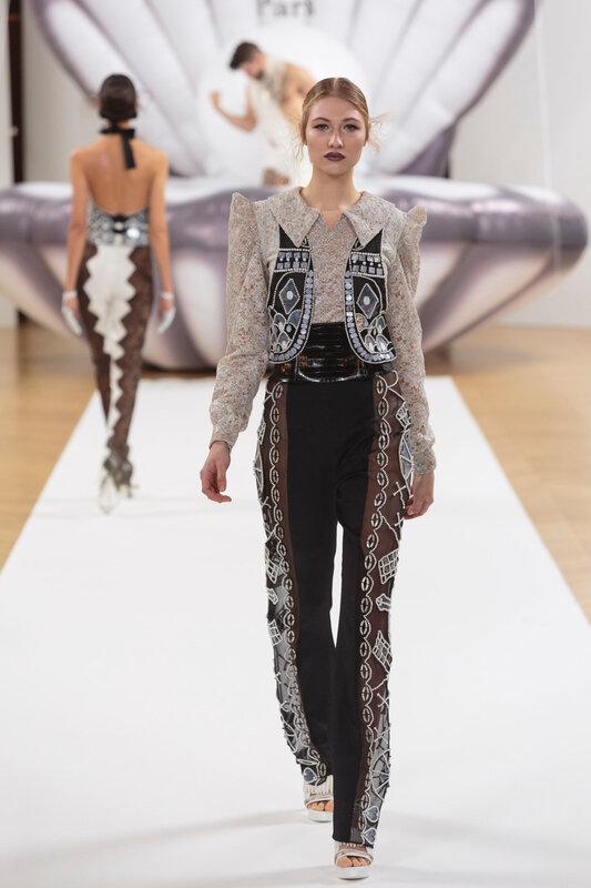 on_aura_tout_vu_runway_couture_spring_summer_2017_Haute_Couture_Week-143