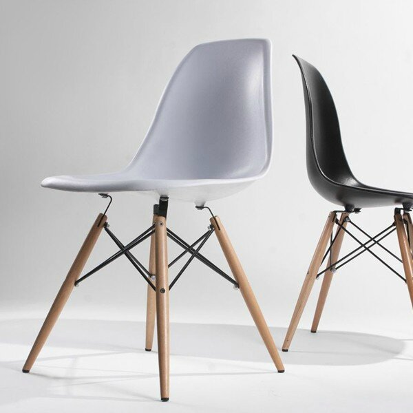 chaises eames dsw vitra pieds clairs eulalie m 39 a dit. Black Bedroom Furniture Sets. Home Design Ideas