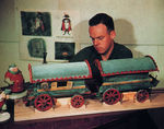 modelsminiaturesmoviemagic_Bob_Jones_Stromboli_Wagon