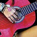 Punka et la marque hippie bling kim&zozi annoncent l'été,la plage,l'amour et des bracelets colorés hippie style