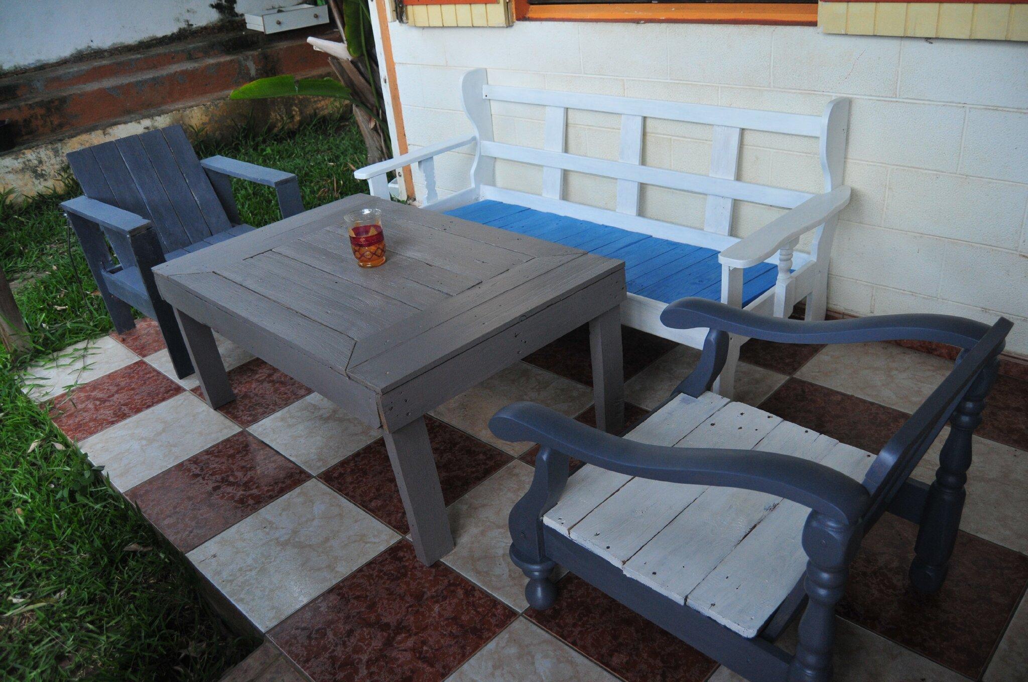 concours mobilier jardin cdb cr ations et meubles en bois de palettes recycl es. Black Bedroom Furniture Sets. Home Design Ideas