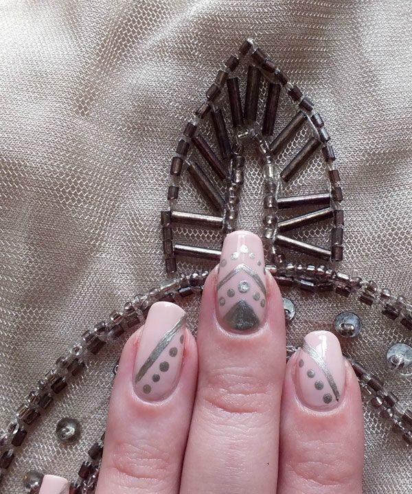 nailsorming-vetements-robe-promod-broderies-elf-rose-pale-dean-nailmatic (4)