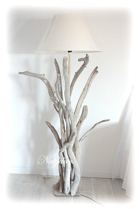 Lampadaire en bois flott d coration en bois flott et - Objet deco en bois flotte ...