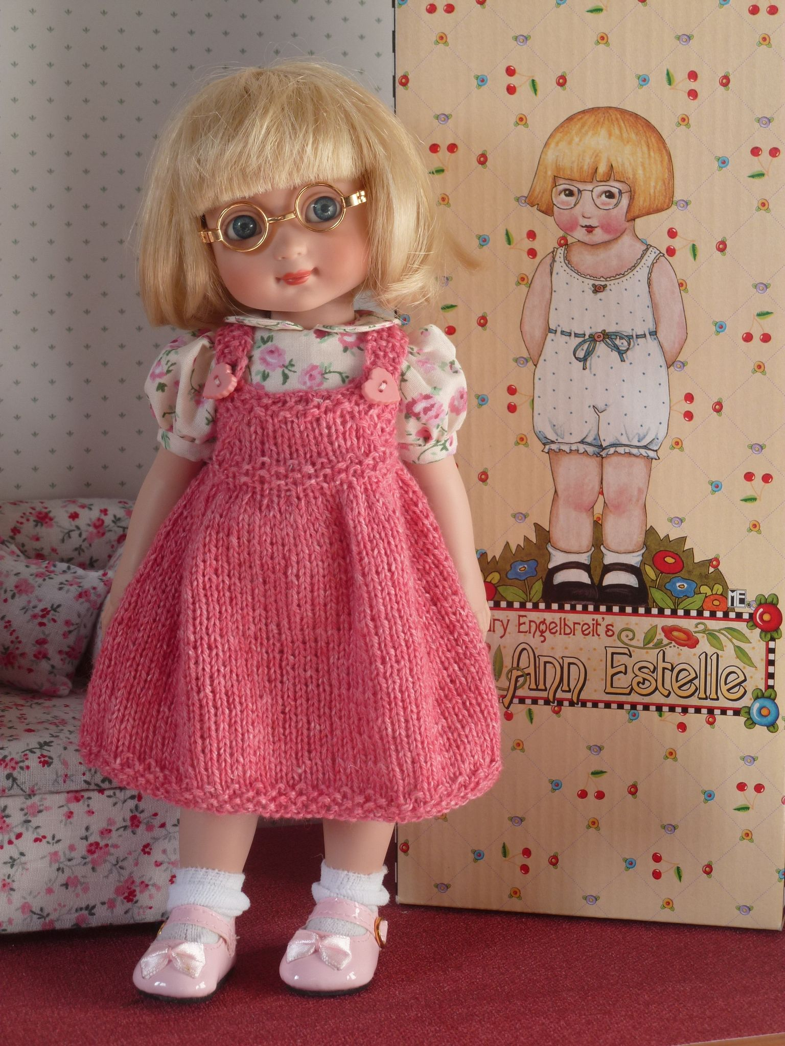 Première tenue d'Ann Estelle.