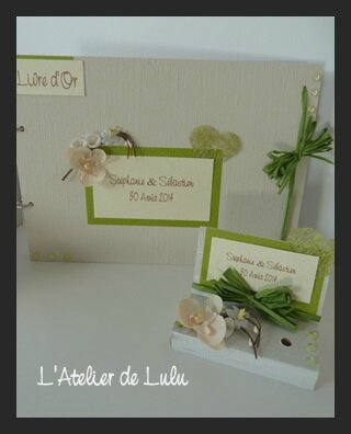 livre d'or porte stylo orchidees arums