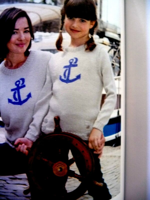 pull avec ancre marine
