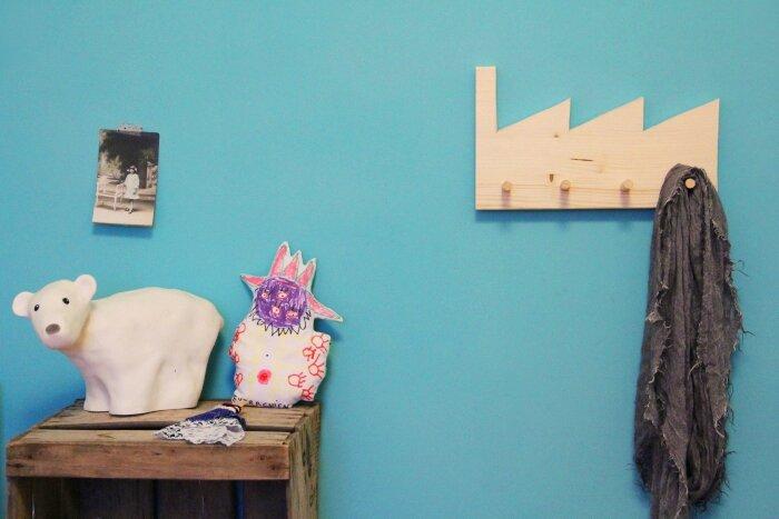 diy porte manteau en bois t te d 39 ange. Black Bedroom Furniture Sets. Home Design Ideas