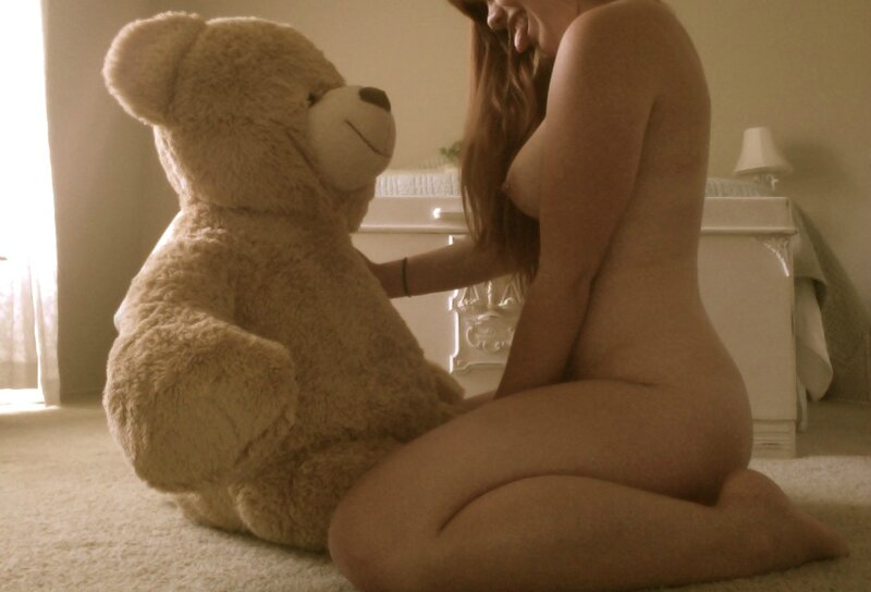 Girl with bear room
