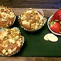 Muffins fraises-pistaches, topping crumble chocolat blanc
