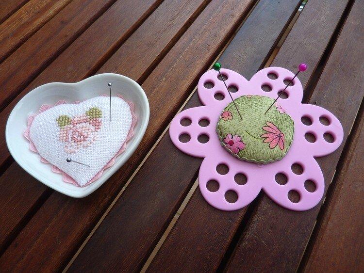 Pique-aiguilles coeur et fleur (pour Valérie)