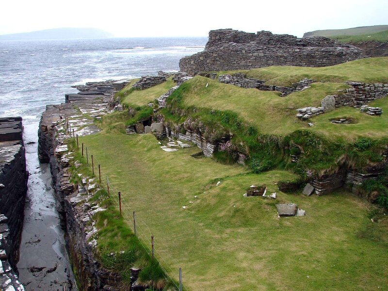 Rousay_Midhowe_broch_4