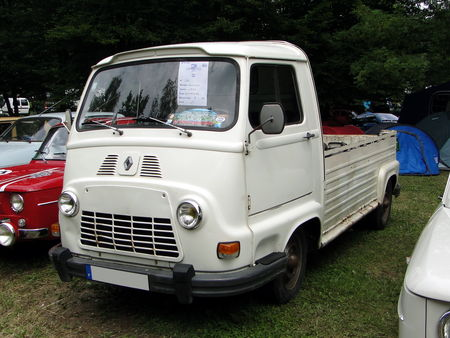 RENAULT Estafette Pickup 1977 Retro meus Auto Lac de Madine 2010 1