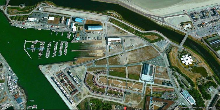 1020) le site et les cales de lancement des chantiers de France (Normed Dunkerque) aujourd'hui