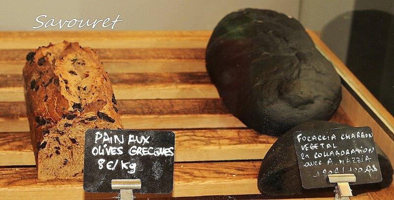 Focaccia_charbon_Pain_Olives_grecques