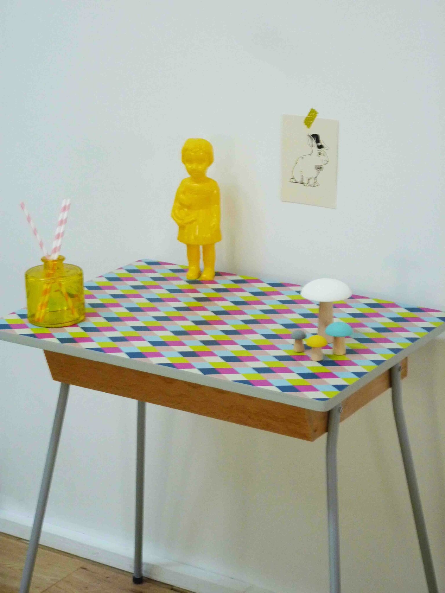 Bureau enfant vintage ou table de chevet charlotsometimes - Table de chevet enfants ...