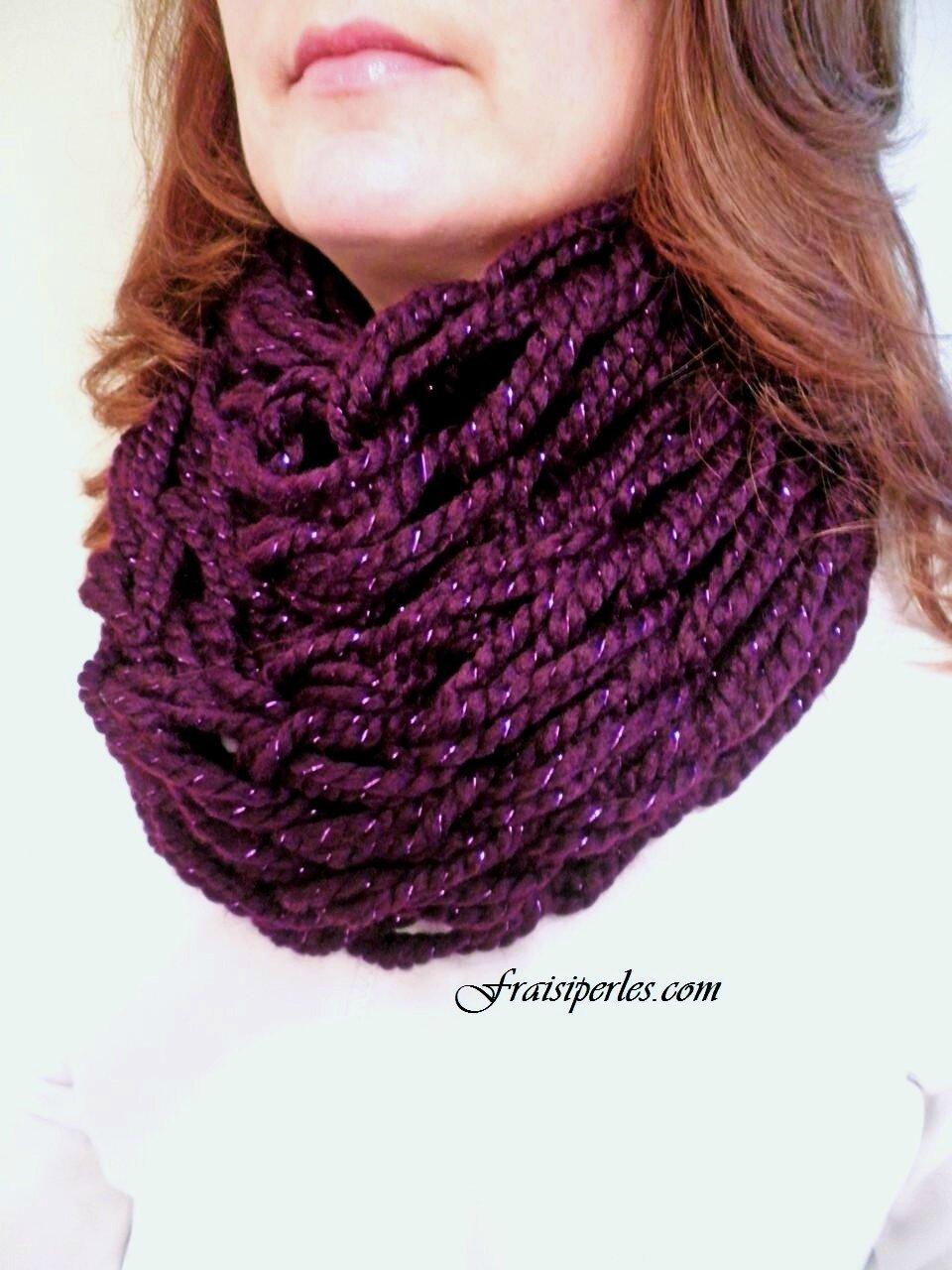 Comment tricoter un foulard avec les mains d77b9ac84b5