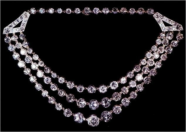 The George VI Festoon Necklace