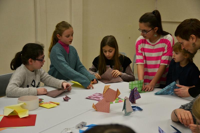 Atelier origami pliage des filles