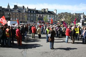 Avranches 1er mai 2012 rassemblement intersyndical place Littré