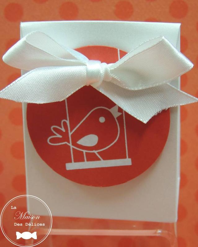 boite dragées mariage thème shabby chic champêtre nichoir oiseau ruban satin rouge blanc étiquette