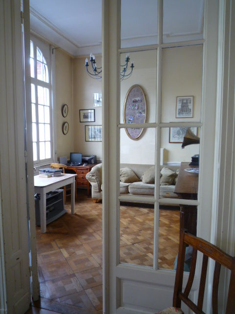 rdc cuisine equipee s m salon bureaux superbe bourgeoise vendre st amand les eaux. Black Bedroom Furniture Sets. Home Design Ideas