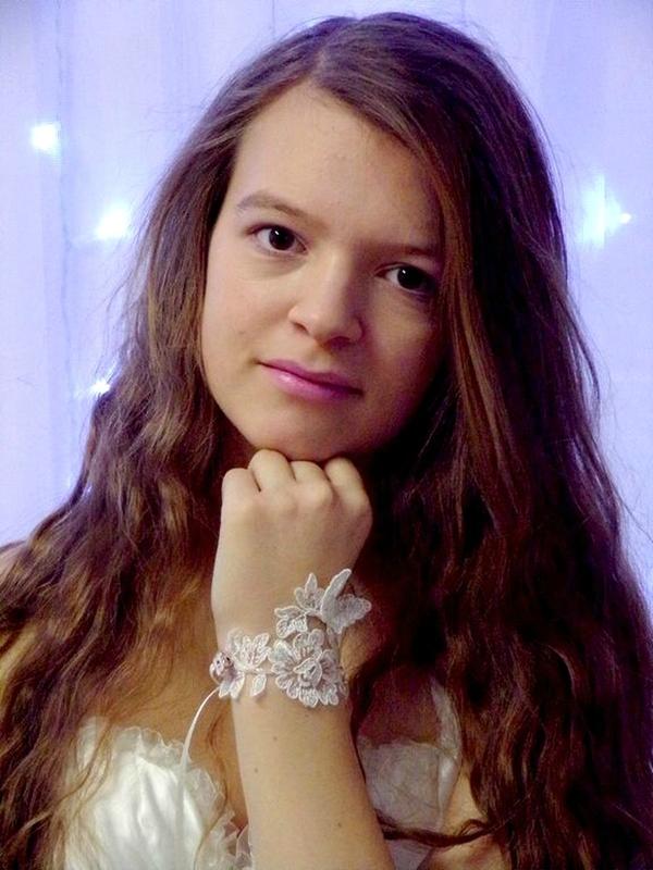 Bracelet dentelle de Calais ivoire papillon mariage 1