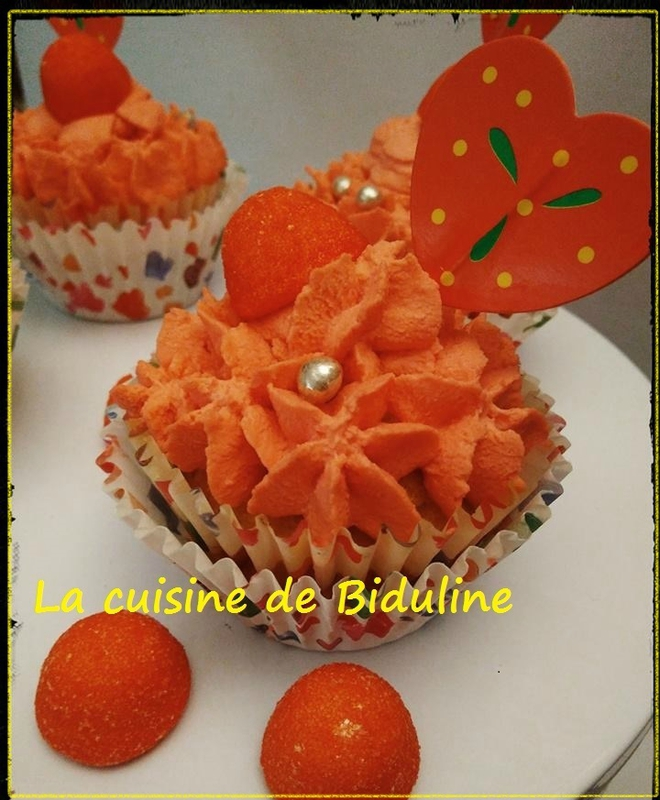 Mes CupCakes citronnés de la St Valentin - Topping à la fraise Tagada - La cuisine de Biduline