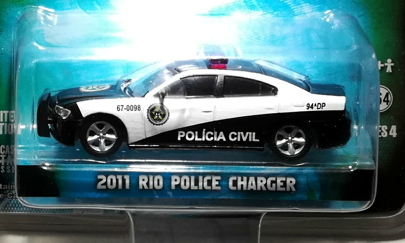 Dodge Charger de 2011 Rio Police (Fats and Furious) Greenlight 01