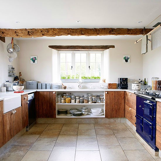 Kitchen--House-tour--Country-Homes-and-Interiors--Housetohome