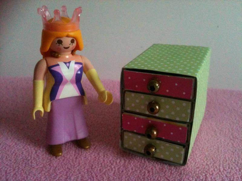 Diy comment fabriquer un meuble tiroirs pour playmobil - Fabriquer album photo maison ...