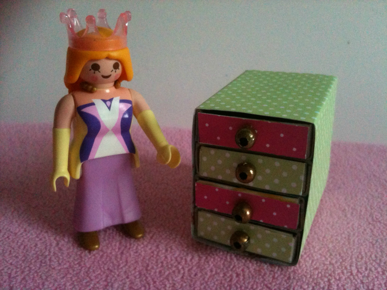 diy comment fabriquer un meuble tiroirs pour playmobil. Black Bedroom Furniture Sets. Home Design Ideas