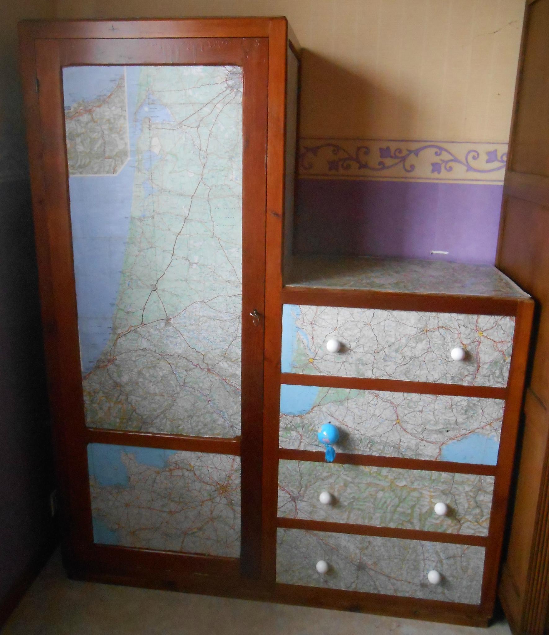 le meuble d 39 explorateur recyclage et cie. Black Bedroom Furniture Sets. Home Design Ideas