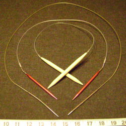 250px_Knitting_needle_sizes_circular