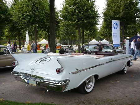 IMPERIAL_Crown_2door_convertible_1961_Schwetzingen__2_