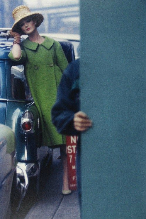Saul leiter Woman with green coat