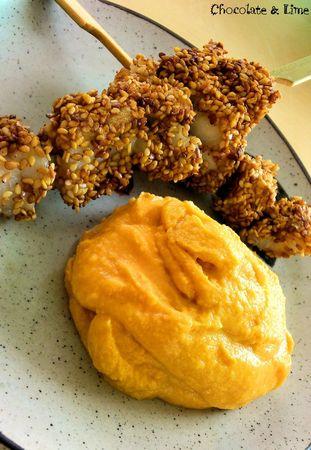 Crème de patates douces au lait de coco et brochette de poisson panée au sésame3