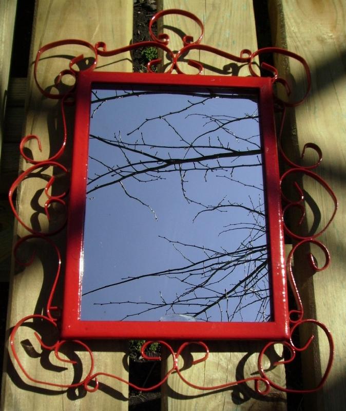 Miroir rouge