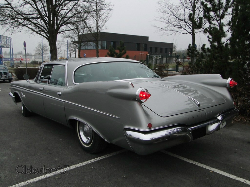 Imperial Crown Southampton hardtop sedan 1960 b