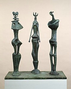 Henry Moore, Trois personnages debout , 1953