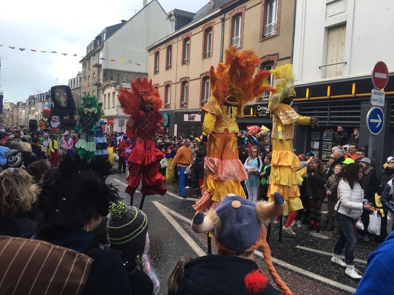 Carnaval Granville Manche 2017 échasses