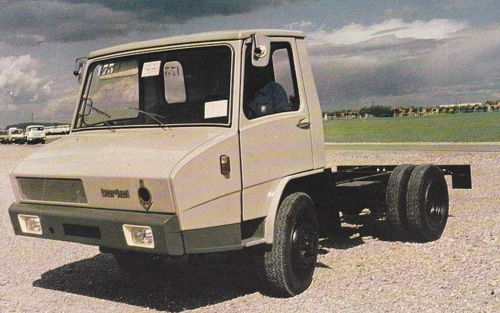 berliet-stradair-(france)-677