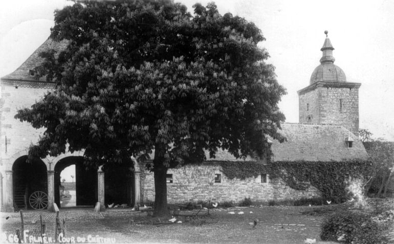 20-interieur du chateau-ferme