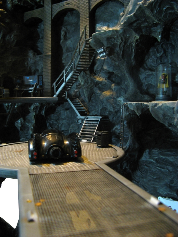 batcave monolith remi bostal scenery diorama batman (7)