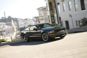 2008MustangBullitt_01_470