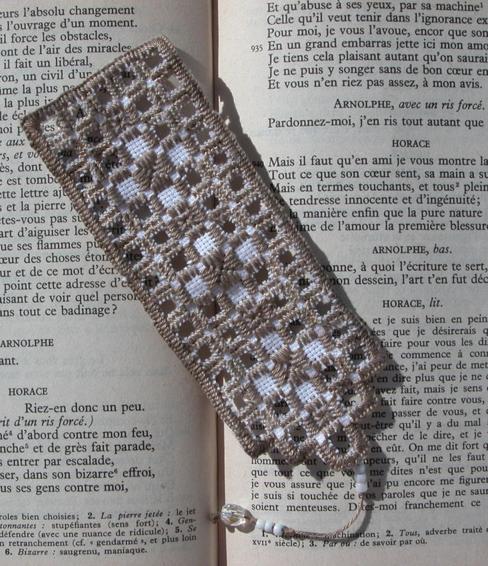 Marque page Hardanger taupe 2